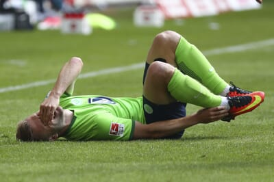 football_injury_germany_bundesliga_wolfsburg_blaszcykowski.
