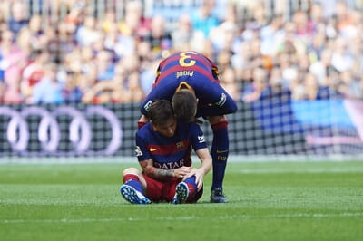 football_injury_spain_la-liga_barcelona_messi_pique.