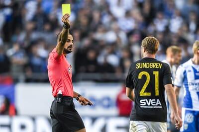 football_red-card_sweden_allsvenskan_aik_sundgren.